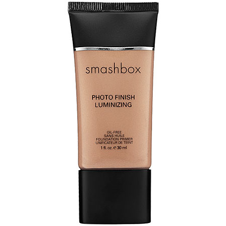 Product review on Smashbox Photo Finish Primer. Smashbox Photo Finish Luminizing Primer. Makeup tips, tricks, product reviews, beauty finds and more at HUSH Beauty Blog. hushbeautyblog.wordpress.com